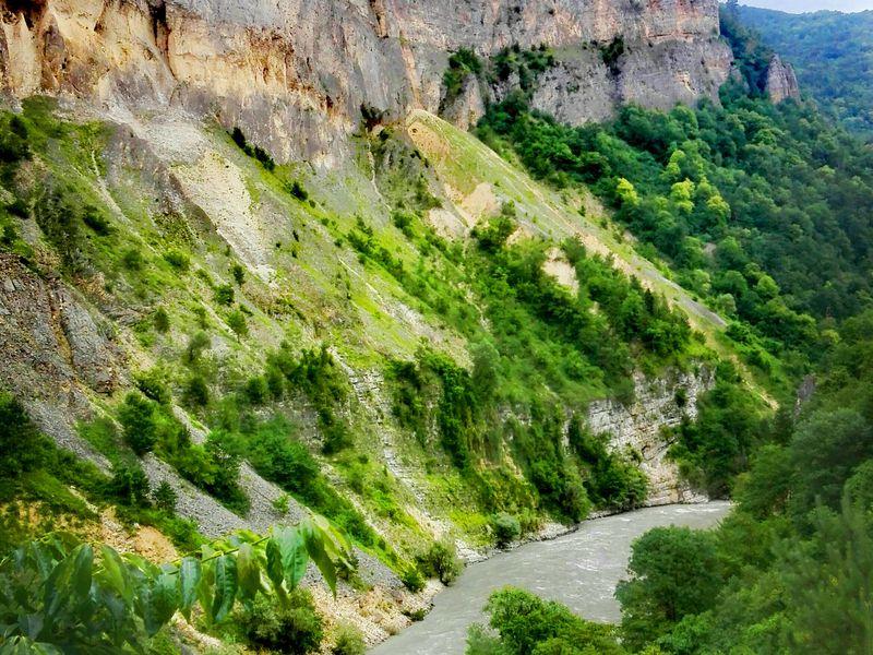 Край диких водопадов, пещера Прометея и гора Хвамли - экскурсия в Кутаиси