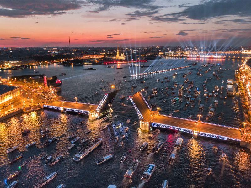 По-питерски: развод мостов с крыши - экскурсия в Санкт-Петербурге