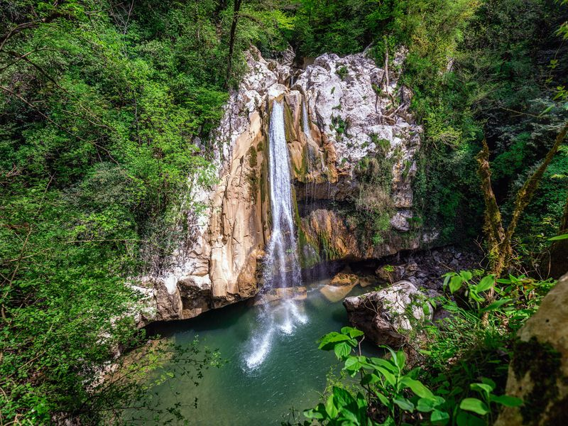Путешествие в «страну водопадов» Ажек - экскурсия в Сочи