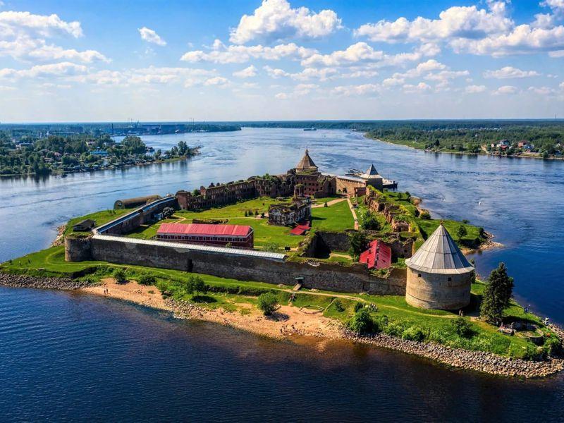 В крепость Орешек на мотоциклах! - экскурсия в Санкт-Петербурге