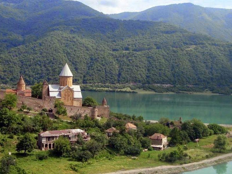 Казбеги – место, без которого невозможно представить Грузию - экскурсия в Тбилиси