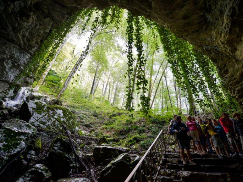 Путешествие в Воронцовские пещеры и Навалищенский каньон - экскурсия в Сочи