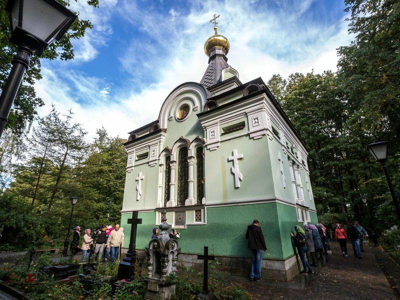 Смоленское кладбище ичасовня Ксении Петербургской - экскурсия в Санкт-Петербурге