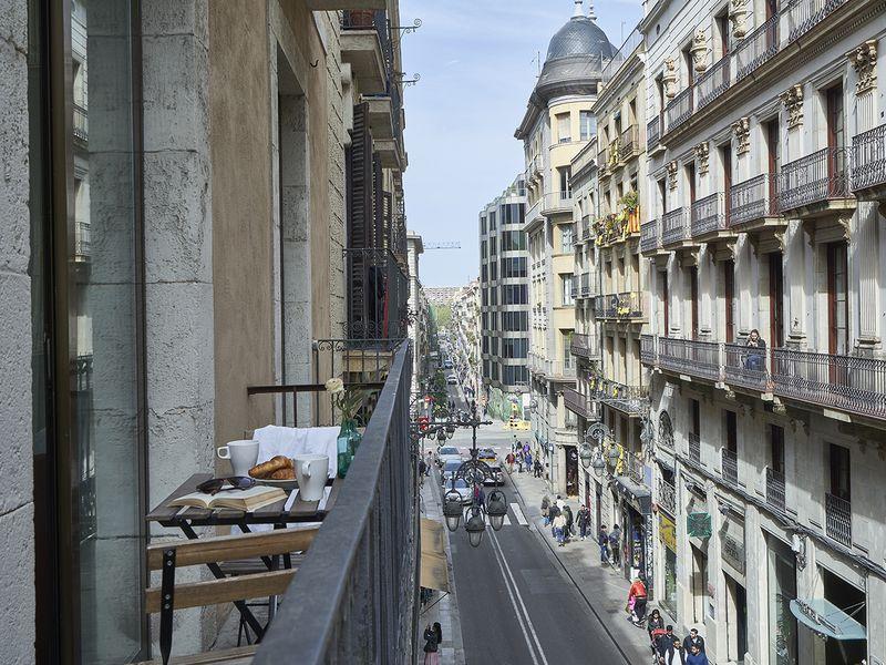 Авто-экскурсия по«жизни» вБарселоне - экскурсия в Барселоне