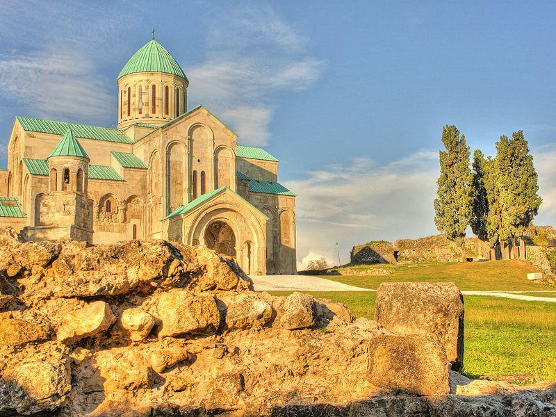 Путешествие по живописной Имеретии - экскурсия в Кутаиси