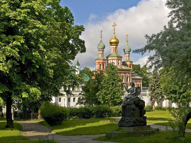 Новодевичье кладбище: история илюди - экскурсия в Москве