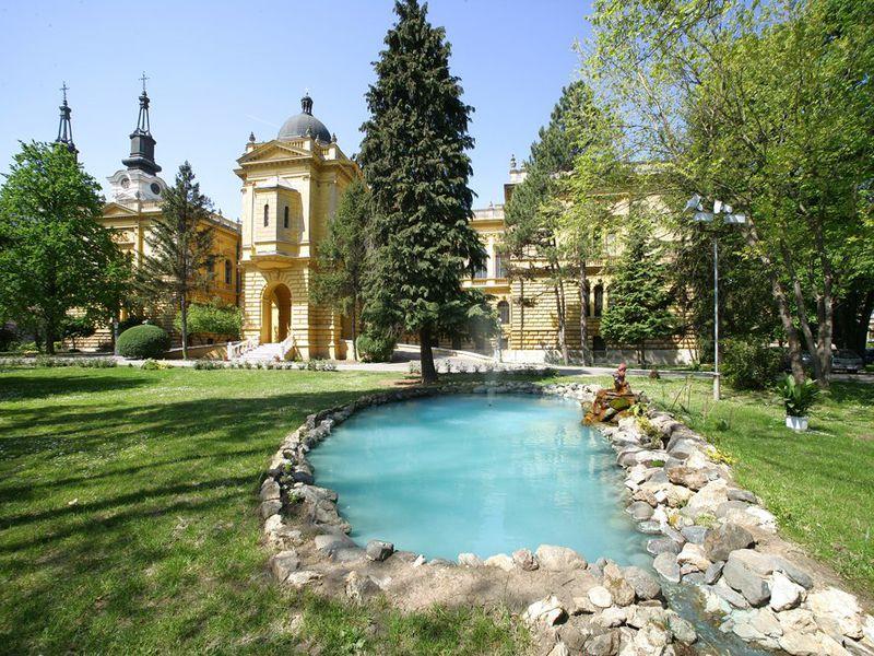 Сремски Карловцы — самый обаятельный город Сербии - экскурсия в Нови-саде