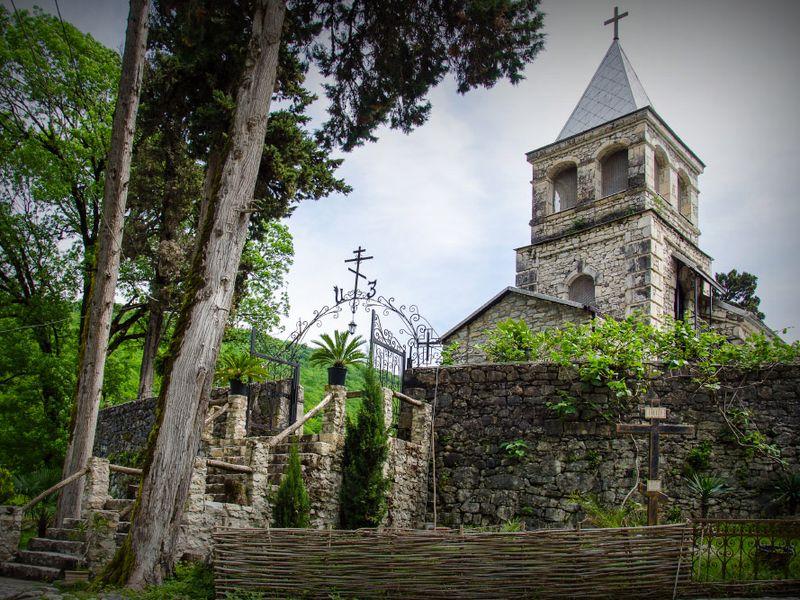 Четыре христианских жемчужины Абхазии - экскурсия в Сочи