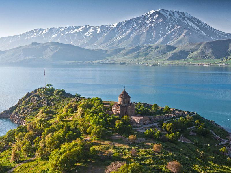 Возрождённый Гарни, «Монастырь копья» ивысокогорный Севан - экскурсия в Ереване