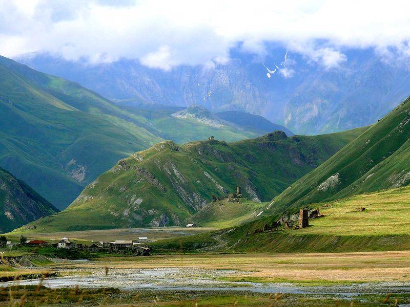 Покинутые башни ущелья Трусо - экскурсия в Тбилиси