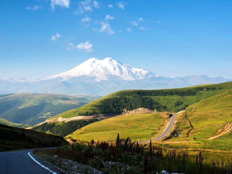 Ктермальным источникам Джилы-Су позахватывающей дороге - экскурсия в Кисловодске