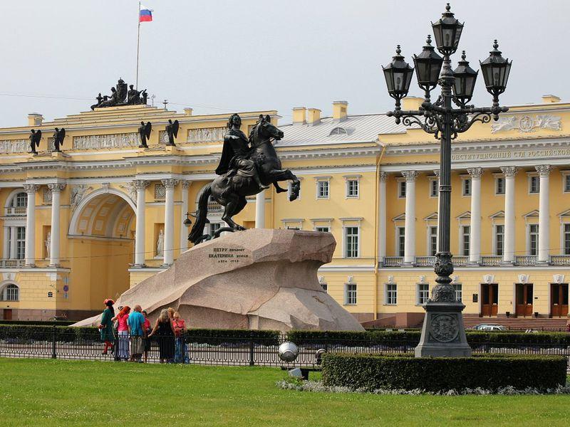 Петербурга парадное лицо. На автомобиле с водителем-экскурсоводом - экскурсия в Санкт-Петербурге