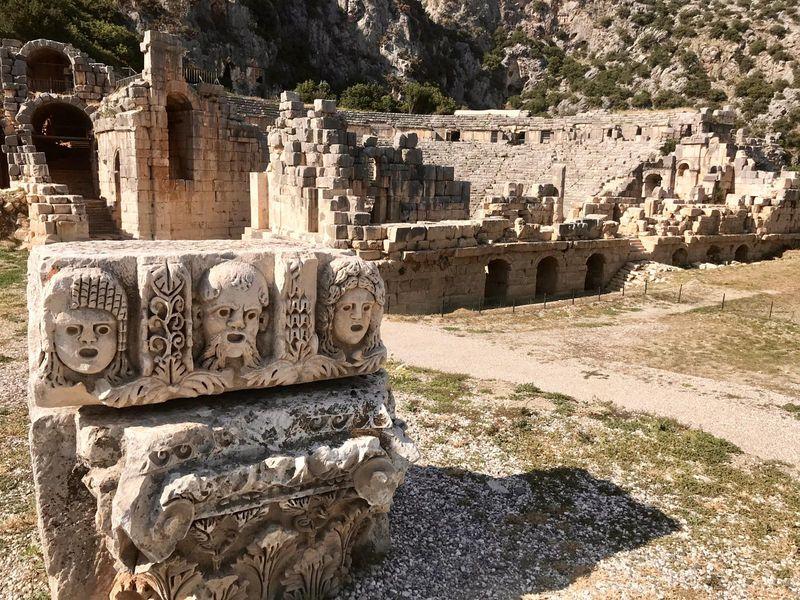 Два в одном: храм Святого Николая в Демре и древний город Мира - экскурсия в Анталии