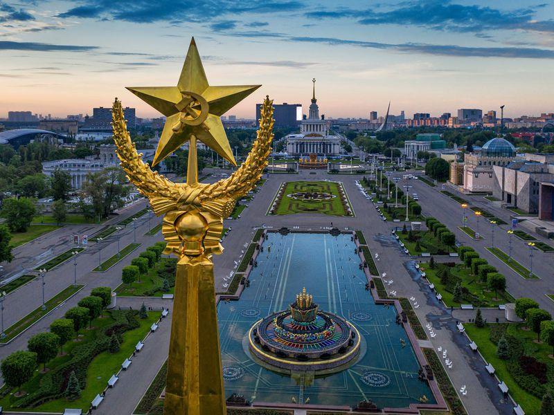 ПоВДНХ сгидом-историком - экскурсия в Москве