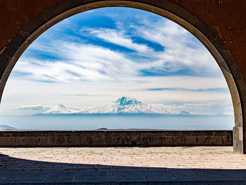 Святая Армения: храм Гарни имонастырь-пещера Гегард - экскурсия в Ереване