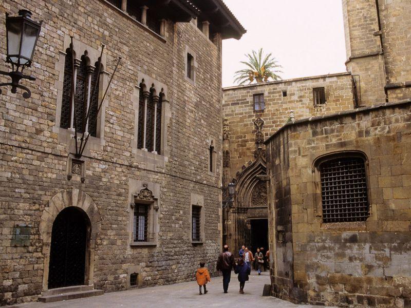 Мистика и реальность Готического квартала» — экскурсия-квест - экскурсия в Барселоне