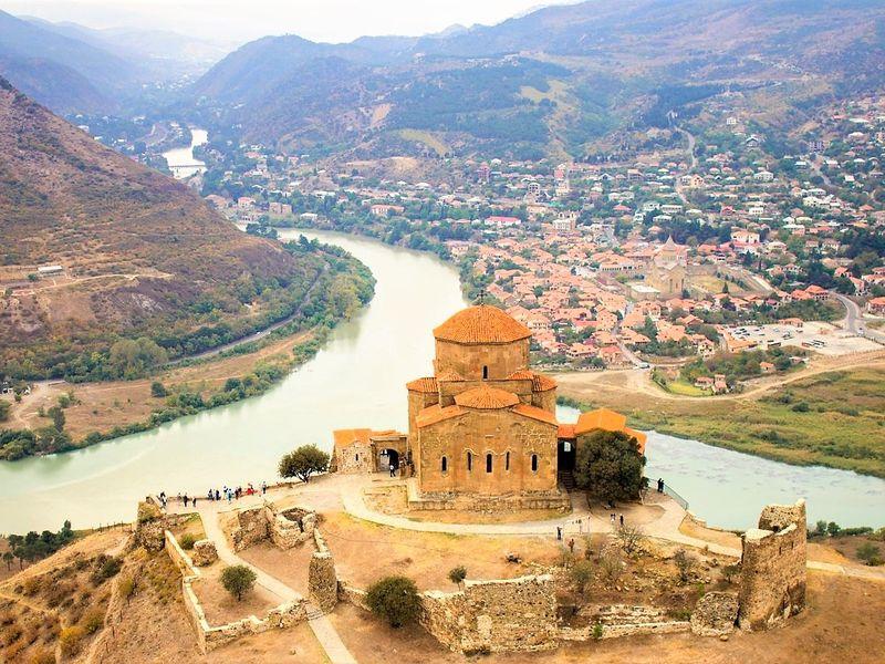 Древность в камне — Храмы Мцхеты и пещеры Уплисцихе - экскурсия в Мцхете