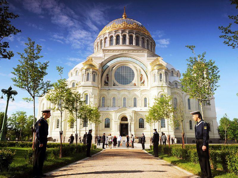 Групповая экскурсия изПетербурга вгород-крепость Кронштадт - экскурсия в Санкт-Петербурге
