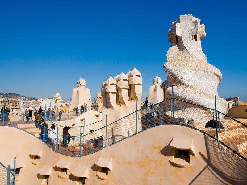 Навелосипеде— кархитектурным шедеврам Гауди - экскурсия в Барселоне