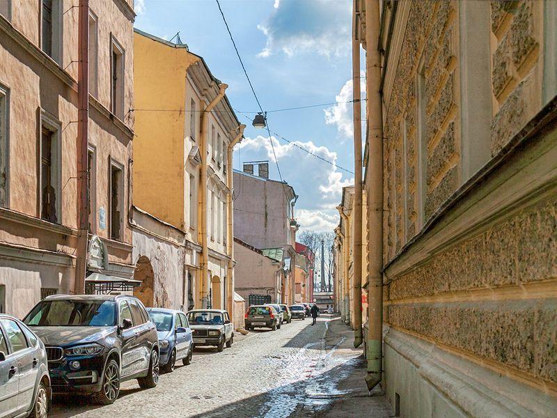 ПоВасильевскому состровитянином! - экскурсия в Санкт-Петербурге