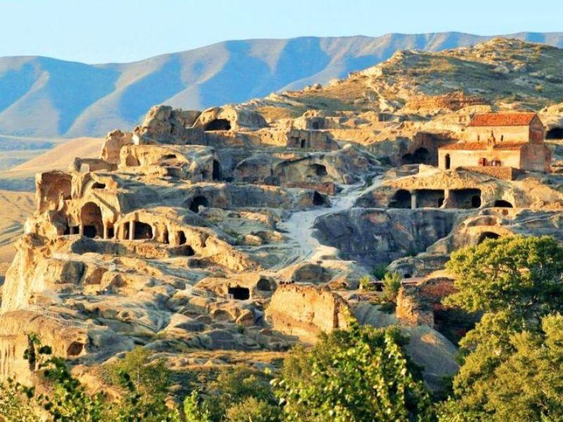 Путешествие в пещерный город Уплисцихе - экскурсия в Тбилиси