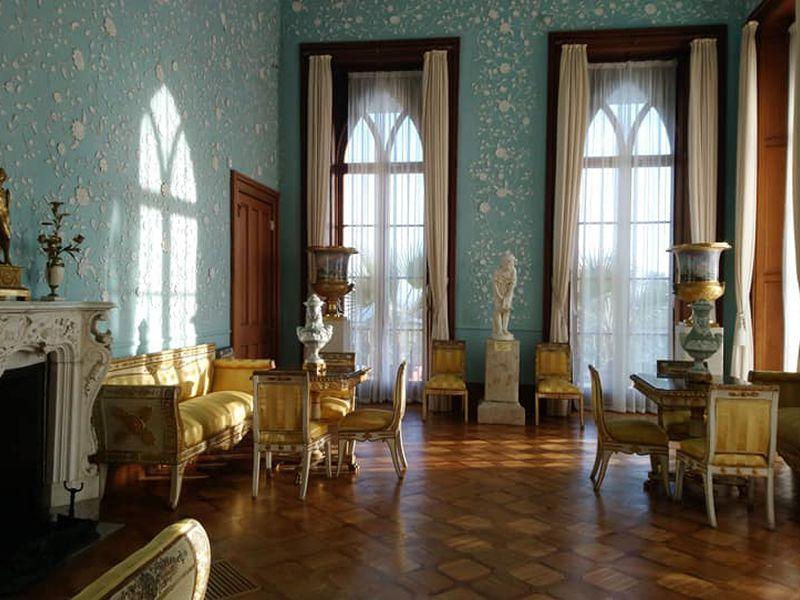 Курортная Алупка, Ливадийский дворец и замок Ласточкино гнездо - экскурсия в Ялте