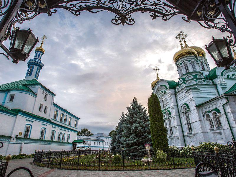 Культовые места Казани: Вселенский храм, Раифа и Свияжск - экскурсия в Казани