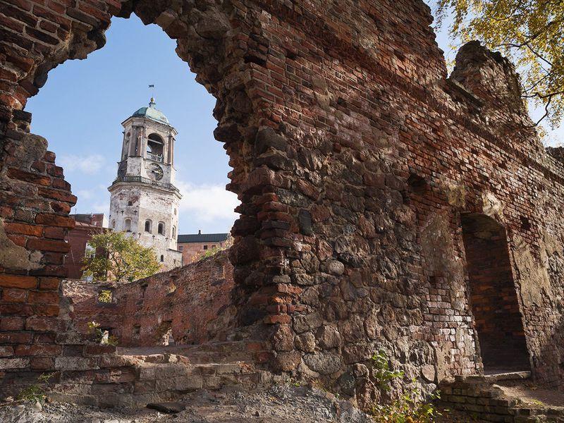 Выборг: от развалин монастырей к величию королевского Замка - экскурсия в Выборге
