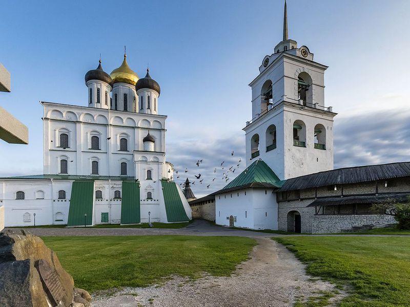 Псковский Кремль снаружи и изнутри - экскурсия в Пскове