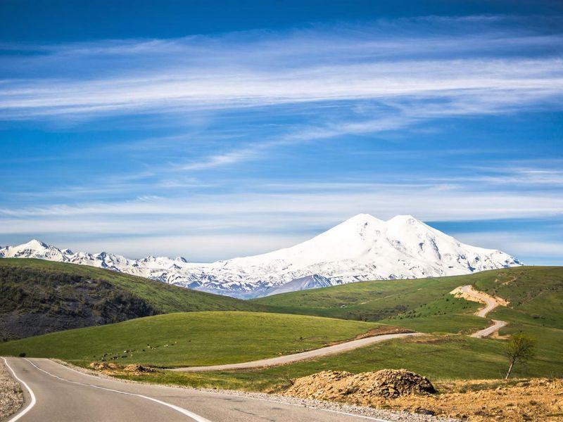 Джип-путешествие к склону Эльбруса: горы, водопады и нарзаны Джилы-су - экскурсия в Пятигорске