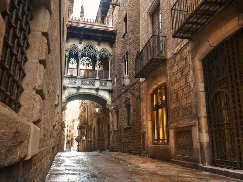 Истории и легенды Готического квартала - экскурсия в Барселоне