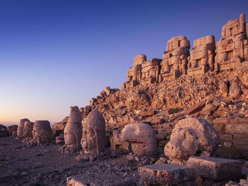 Гора богов Немрут-Даг и город пророков Шанлыурфа - экскурсия в Сиде