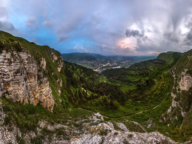 Тайны Монаховой пещеры - экскурсия в Кисловодске