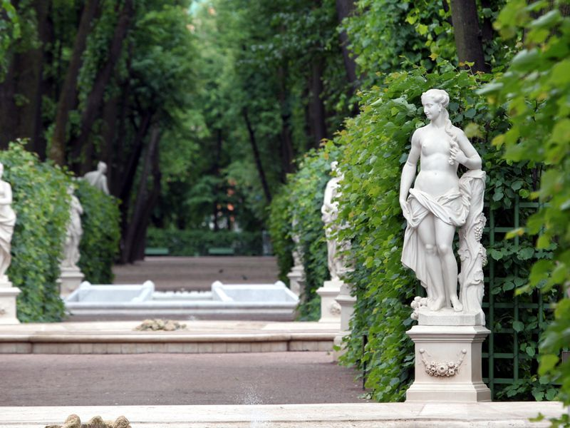 Парадный Петербург с посещением Спаса на Крови и Летнего сада - экскурсия в Санкт-Петербурге