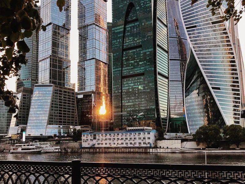 Идеи стеклянной архитектуры на прогулке по Москва-Сити - экскурсия в Москве