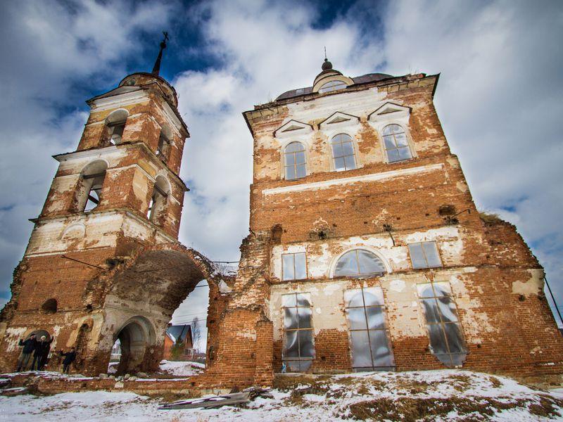 Заброшенная церковь и пещера старообрядцев - экскурсия в Екатеринбурге