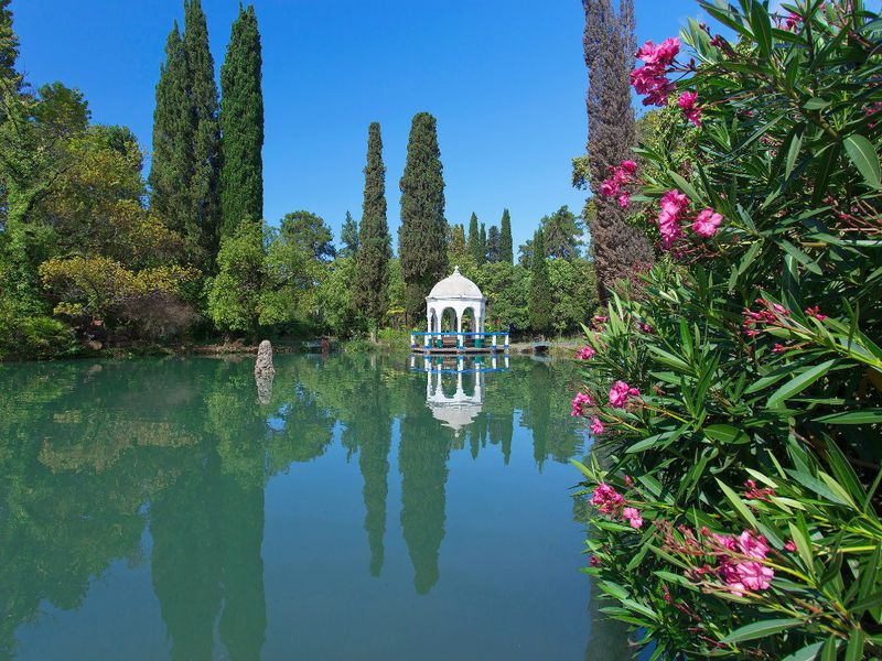 Главные достопримечательности Абхазии - экскурсия в Сухуме