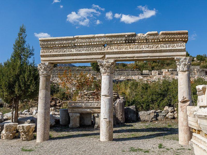 ИзАнталии вдревнюю Кибиру - экскурсия в Анталии