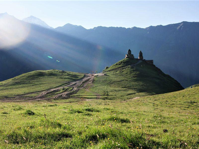 Казбеги: главные и нетуристические тропы - экскурсия в Тбилиси