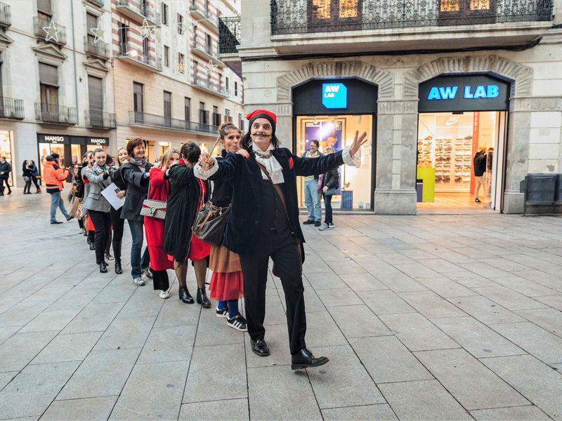 Прогулка с Сальвадором Дали. Сюрреалистический квест! - экскурсия в Барселоне