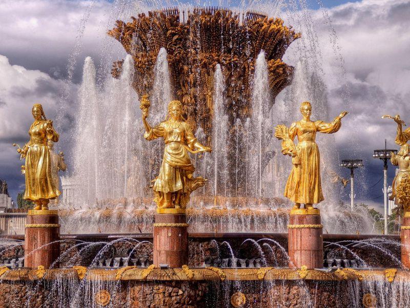 Советская история на ВДНХ - экскурсия в Москве