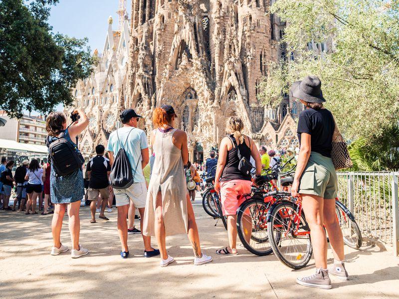 Вело-пешеходный тур: живая Барселона за4часа - экскурсия в Барселоне