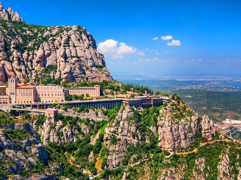 Духовный символ Каталонии— монастырь Монтсеррат - экскурсия в Барселоне