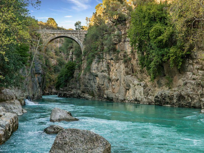 Эко-тур в Долину каменных людей и каньоны Тавра - экскурсия в Анталии
