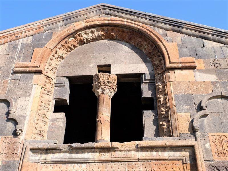 Архитектура и великие святыни средневековых монастырей - экскурсия в Ереване