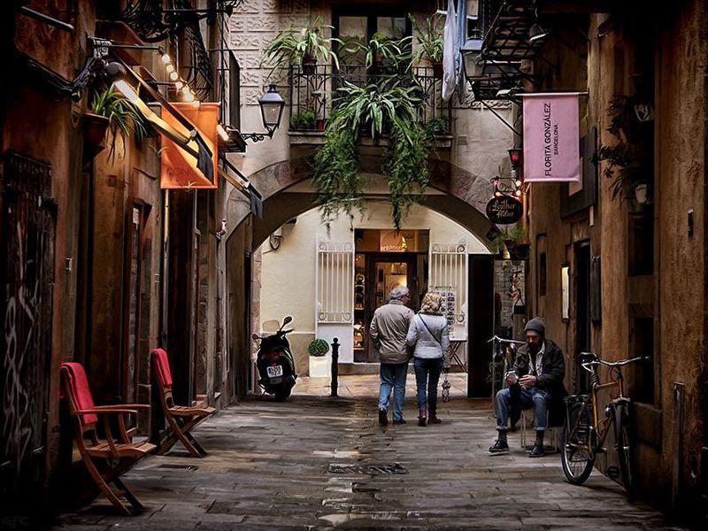 Готический квартал: история исекреты - экскурсия в Барселоне