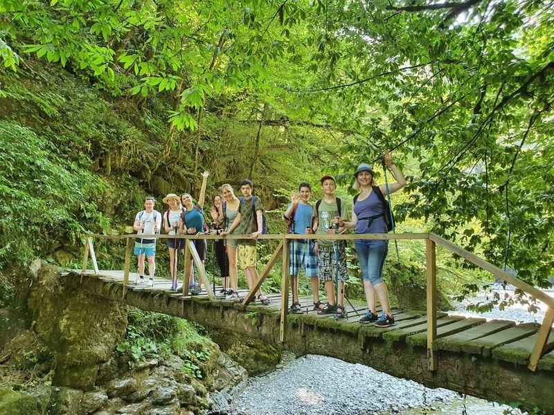 Поход к водопадам Ореховский и Ажек - экскурсия в Сочи