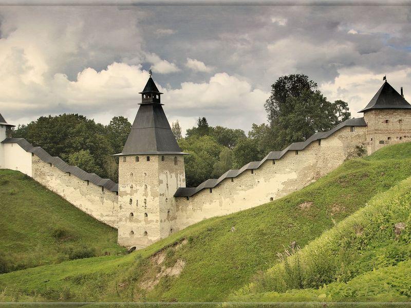 От древних Печор до эстонского Петсери - экскурсия в Печорах