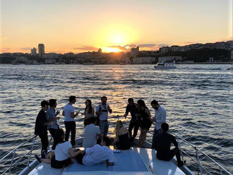 ПоБосфору начастной яхте - экскурсия в Стамбуле