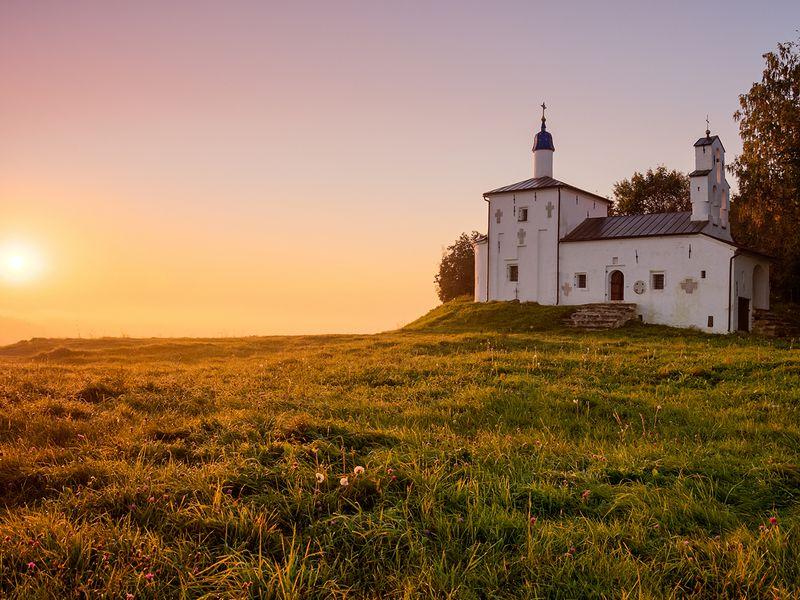 Старый Изборск и Псково-Печерский монастырь: путешествие к истокам Руси - экскурсия в Пскове